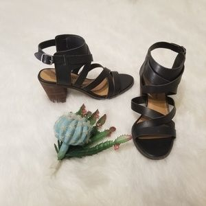 Lucky Brand Chunky Block Heel Sandals